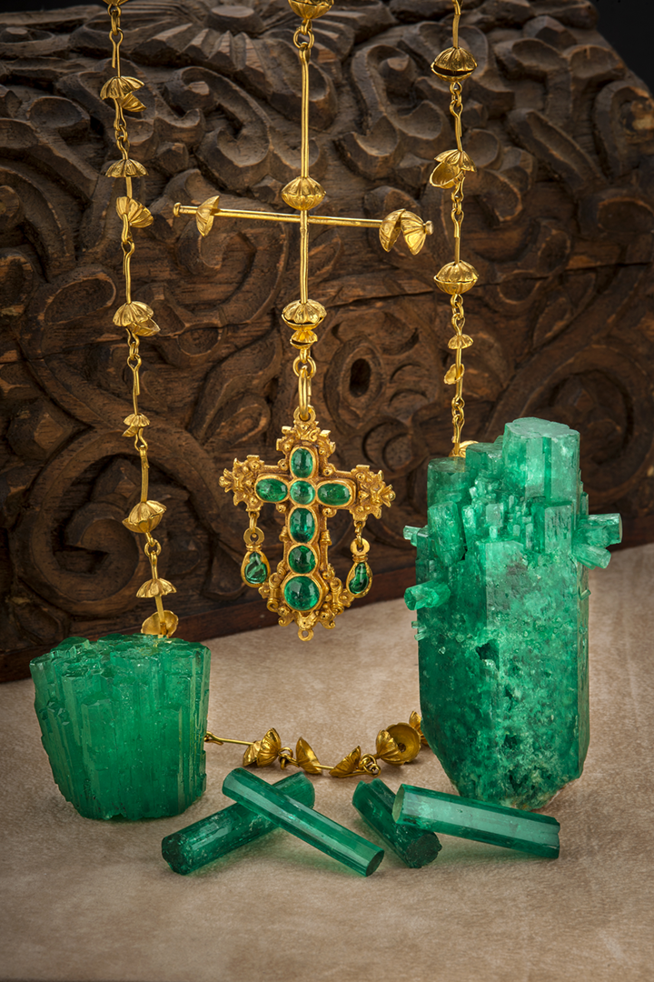 Gold and emerald treasure from the Atocha shipwreck with crystal specimens from private collections
